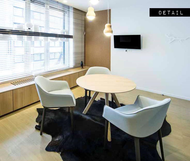 BERLITZ SCHOOL | ❤ DETAIL